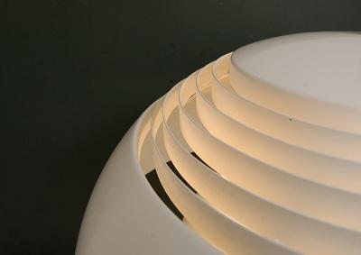 aj-royal-white-pendant-jacobsen-louis-poulsen-denmark-danish-design-fifties-sixties-lighting-5.JPG